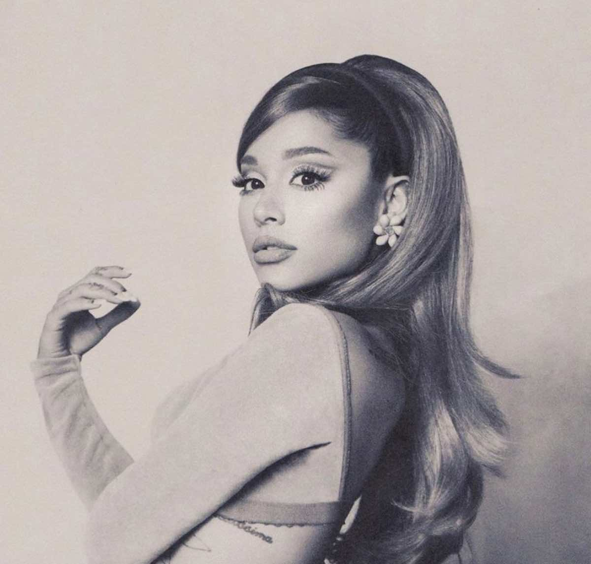 Ariana Grande sbarca su Netflix: in arrivo il documentario Sweetener Tour