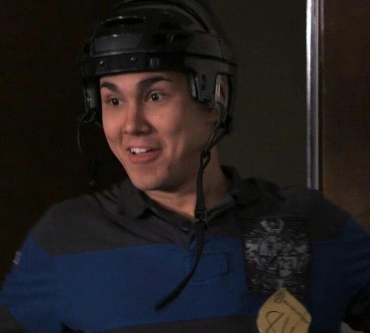 Carlos PenaVega alias Carlos Garcia nella serie