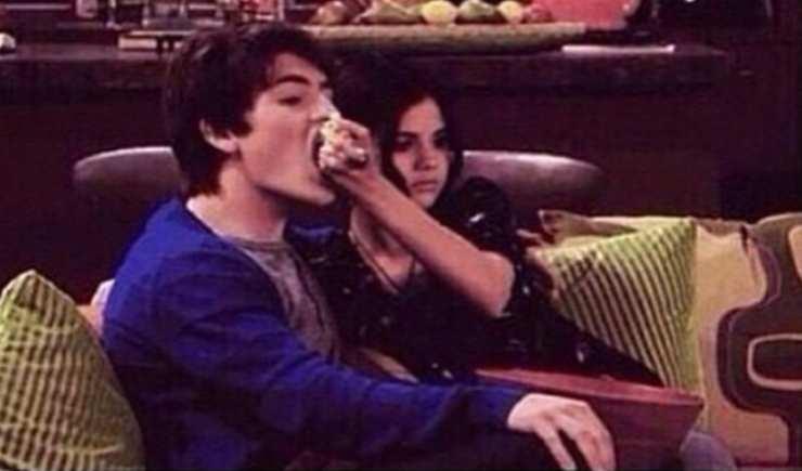 """Gregg Sulkin e Selena Gomez ne """"I Maghi di Waverly"""" - Fonte: Instagram"""