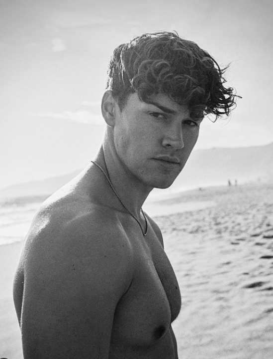 Noah Beck, tiktoker americano - Fonte: Instagram