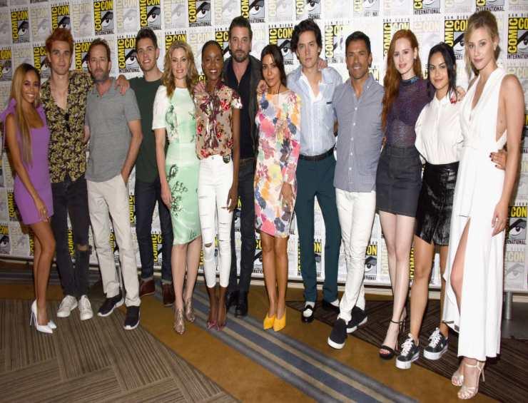 Riverdale, il cast della serie Netflix - Fonte: Instagram
