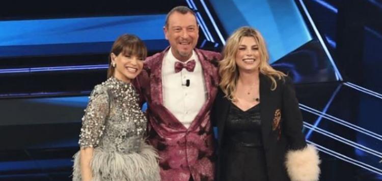 Amadeus con Alessandra Amoroso e Emma Marrone