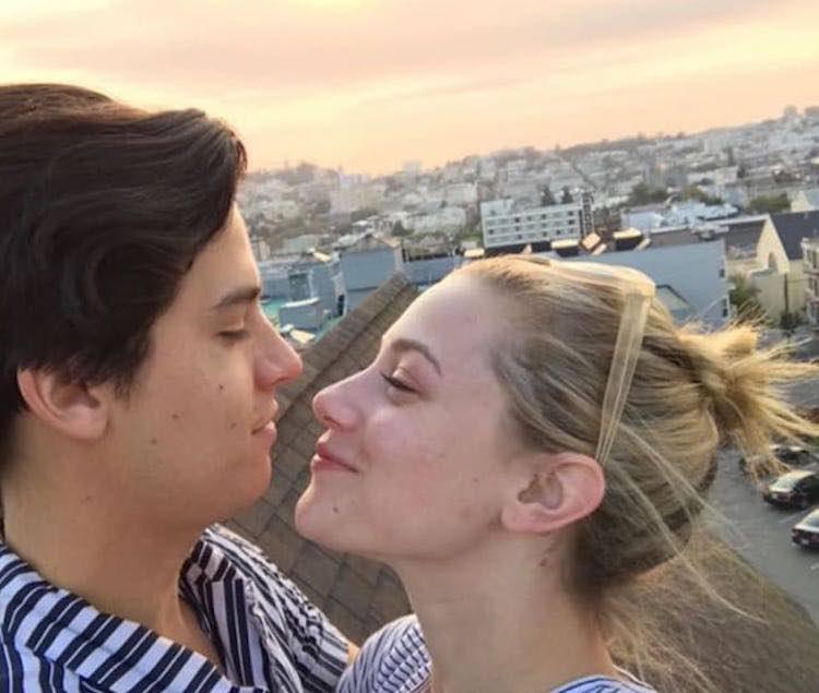 Lili Reinhart e Cole Sprouse - Fonte: Instagram