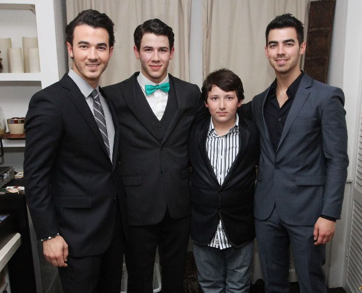 Frankie Jonas con i fratelli, Fonte: Getty Images