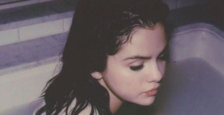 Selena Gomez Spiral. Fonte: Instagram