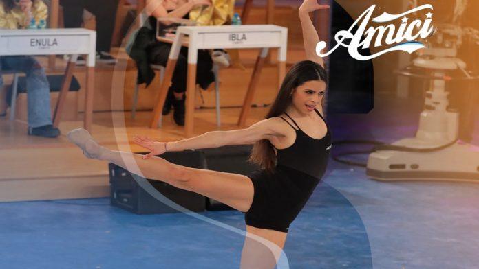 Serena Marchese, ballerina - Fonte: Twitter