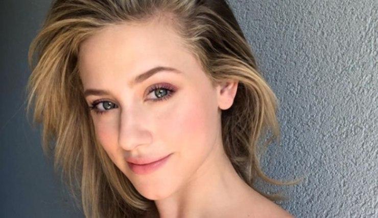 Lili Reinhart Skincare. Fonte: Instagram