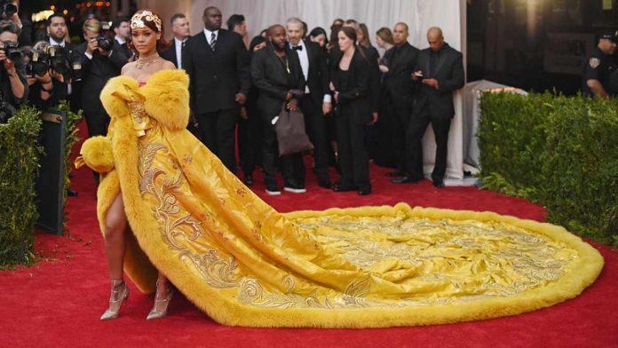 Rihanna al Met Gala 2015