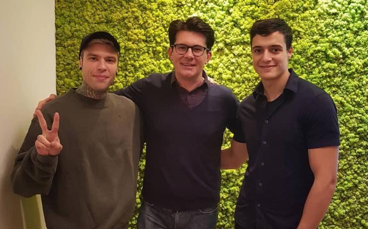Giovanni Muciaccia con Fedez e Luis Sal, Fonte: Instagram