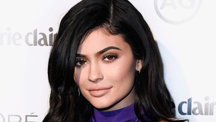 Kylie Jenner chirurgia