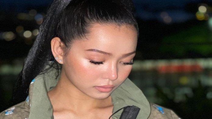 Modella Filippina
