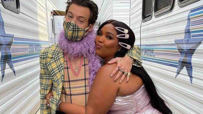Lizzo e Harry Styles
